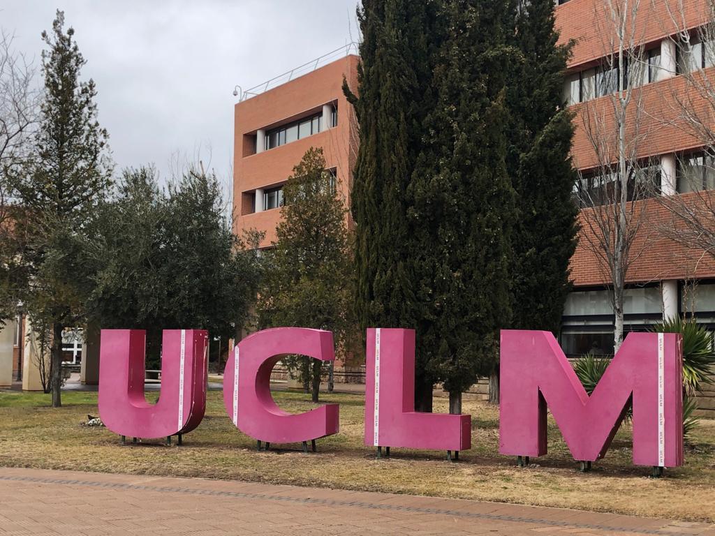 Conservación de zonas verdes en la Universidad de Castilla-La Mancha